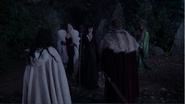 4x13 Blanche-Neige Cruella d'Enfer Maléfique Prince David Charmant Ursula opposition refus brûler gardes discussion