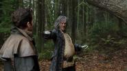 6x11 Killian Jones Capitaine Crochet Uchronie vieux gros obèse menace épée Pinocchio