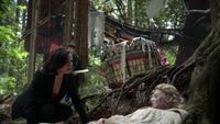 6x02 Regina Mills Henry Mills Charlotte poison forêt de Storybrooke arbres ballon dirigeable