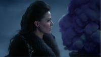 3x19 Reine Regina émue lancement Sort noir arrivée Zelena