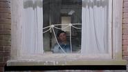 2x17 Mary Margaret Blanchard vue intérieure fenêtre rideaux loft appartement chambre lit réflexion