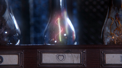 1x16 potions fioles bouteilles cheveux symbole cœur Véritable Amour mini