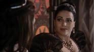 5x13 Reine Regina Blanche-Neige dos insitation combat voleurs manipulations