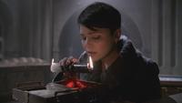 2x16 Mary Margaret Blanchard double-bougie magique boite cœur ténèbres Cora