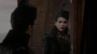 6x14 Reine Regina miroir personne la plus haïe