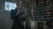 5x05 Emma Dark Swan Cygne Noir Ténébreux Ténébreuse attrape-rêves garage cabane maison