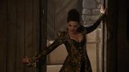 6x20 Reine Regina Méchante Reine Love Doesn't Stand a Chance atelier de Geppetto entrée porte