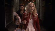 7x22 Emma Swan Killian Jones bébé Hope arrivée retard