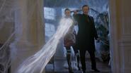 6x16 M. Gold Emma Swan magie blanche magie noire dague du Ténébreux alliance manoir du Sorcier