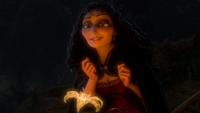 Raiponce (Disney) 2010 Mère Gothel jeune rajeunie fleur magique aux pétales d'or prologue mini
