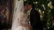 W1x13 Alice Cyrus mariage baiser