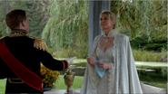 4x07 Duc de Weselton Ingrid Reine des Glaces présentations pavillon gants bleus magiques