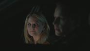 4x02 Emma Swan David Nolan voiture police shérif discussion