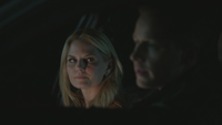 4x02 Emma Swan David Nolan voiture police shérif discussion