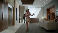 7x01 Ivy Belfrey hall accueil ascenseurs étage tour consigne ordre contact visuel