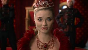 W1x02 Anastasia Reine Rouge recherche regard