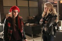 Once-Upon-a-Time-Episode-15-Meghan-Ory Jennifer-Morrison