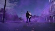 2x01 David Nolan Mary Margaret Blanchard nuage fumée violette arrivée magie Storybrooke