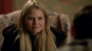 3x15 Emma Swan sourire Henry Mills discussion auberge