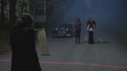 4x12 M. Gold parchemin magique voiture DEV IL Ursula Cruella d'Enfer frontière limite de la ville Storybrooke
