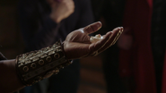 4x15 Poséidon père Ursula coquillage magique rendre voix mère cabane M. Gold