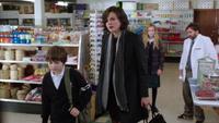 1x09 M. Clark Regina Mills Ava Nicolas Zimmer M. Clark Henry Mills rentre chez eux vol