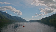 5x06 DunBroch loch lac mer d'Ivoire rivages collines Merida barque embarcation