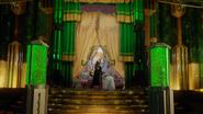 5x16 Zelena Méchante Sorcière de l'Ouest Dorothy Gale salle chute des rideaux Palais Cité d'Émeraude