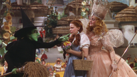 Le Magicien d'Oz (film) 1939 Méchante Sorcière de l'Ouest menace Dorothée Dorothy Gale Glinda Gentille Sorcière du Nord Sud