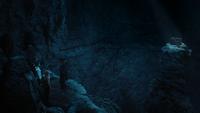 3x06 David Nolan Mary Margaret Blanchard Emma Swan Killian Jones Capitaine Crochet arrivée intérieur caverne grotte de l'Écho gouffre précipice cage en bois Neal Cassidy