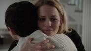 6x18 Emma Swan câlin Mary Margaret Blanchard sourire