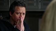 2x14 Neal Cassidy choc nouvelle fils Henry Mills appartement de Neal