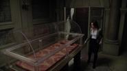 2x05 Regina Mills découverte cercueil vide