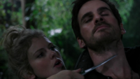 3x11 Pays Imaginaire Fée Clochette Killian Jones Crochet menace