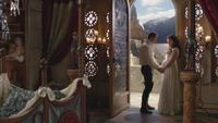 1x01 Prince David Charmant Blanche-Neige inquiétude porte-fenêtre balcon vue Royaume nurserie nursery chambre d'enfant palais royal berceau
