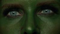 7x17 Réveil Zelena yeux