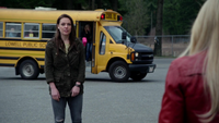 4x19 Lily Page Emma Swan bus scolaire
