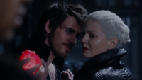 5x10 Killian Jones Emma Swan cœur Merlin meurtre pleurs lancement sort noir