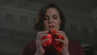 6x14 Regina Mills mains cœurs enchantés magie fin transfert échange partage amour ténèbres