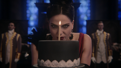 5x12 Méchante Reine Regina gâteau bougie d'anniversaire