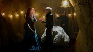5x05 Merida cœur enchanté Emma Swan maison Ténébreuse sous-sol M. Gold menace