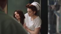 2x13 Belle French infirmière Ratched assommée droguée anesthésiée tranquillisée sédatée tranquillisants calmants sédatifs chambre