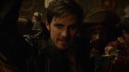 6x20 Killian Jones Capitaine Crochet fin chanson Revenge Is Gonna Be Mine bras levé équipage pirates