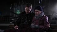 2x20 Mary Margaret Blanchard David Nolan tasses port de Storybrooke nuit