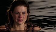 306 Ariel pleure