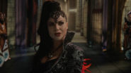 6x10 Regina Mills Méchante Reine cérémonie adoubement menaces héros