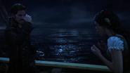 4x15 Ursula Killian Jones Jolly Roger vol voix mains surprise