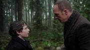 Shot 2x17 Henry Greg