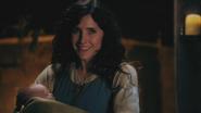 2x14 Baelfire bébé Milah dernier sourire