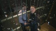 4x09 Mary Margaret Blanchard David Nolan cellule poste de police bureau du shérif Storybrooke chute Sortilège des Mille Éclats miroir